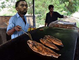 Bills QB Tyrod Taylor loves to fry the fish