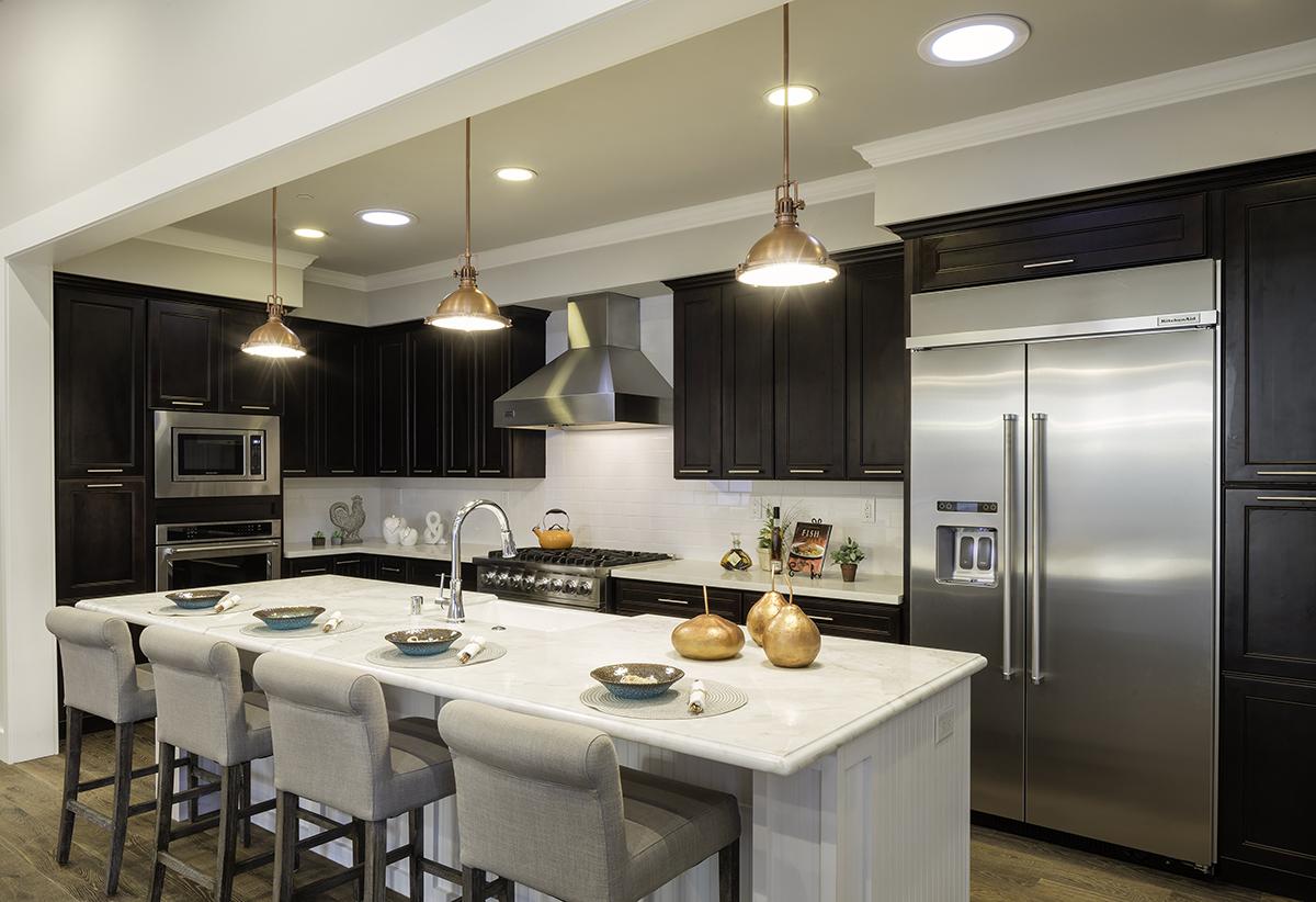 (9) Kitchen