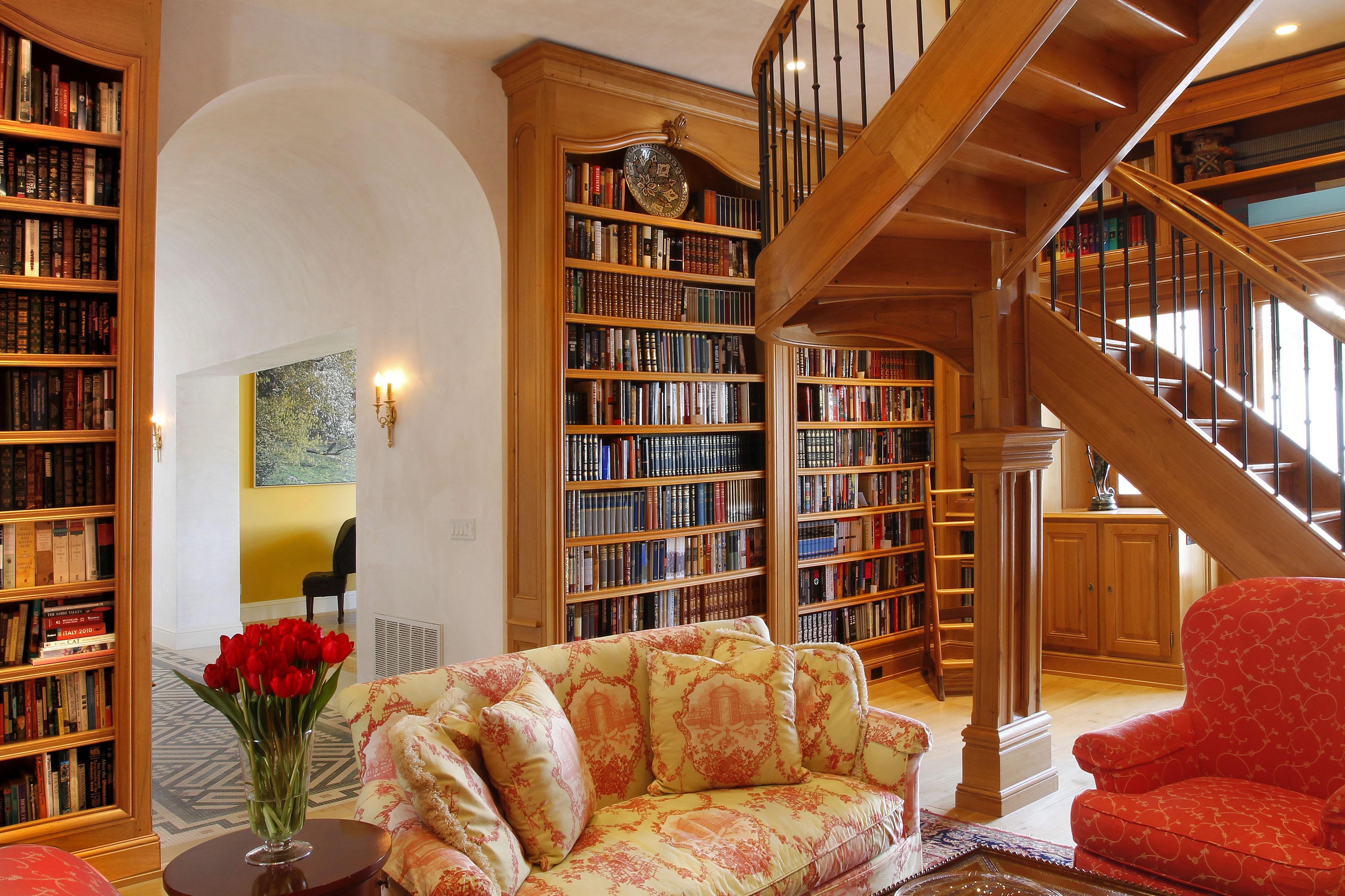 B12 - 18 - Library to Hall to Livingroom