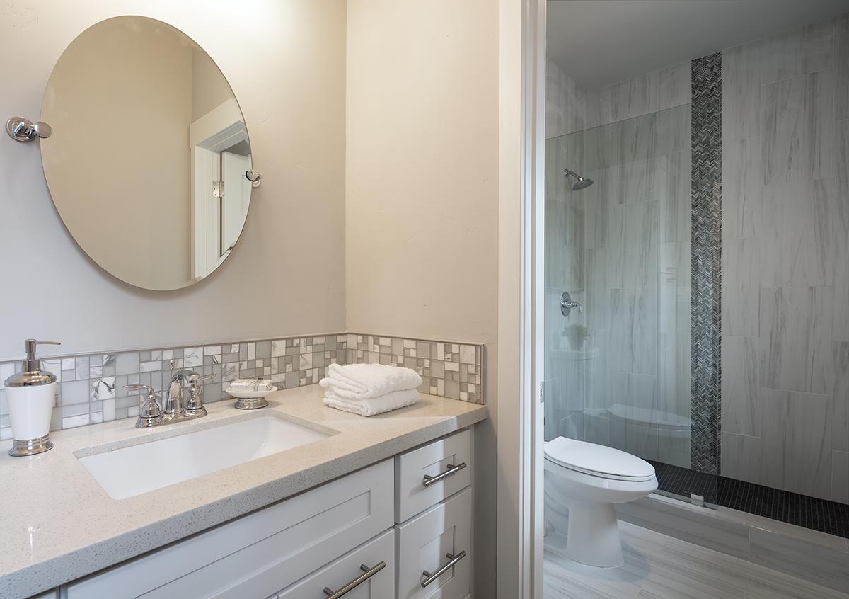 (15) Bathroom