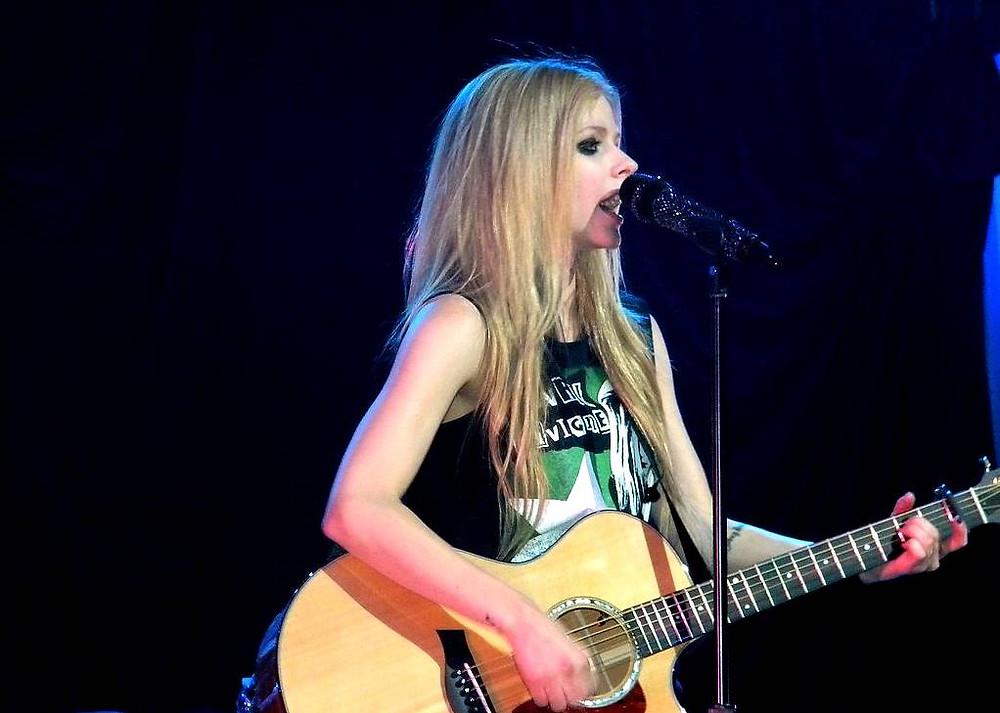Avril Lavigne FLAMES