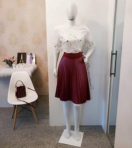 Blusa branca tule e bordados