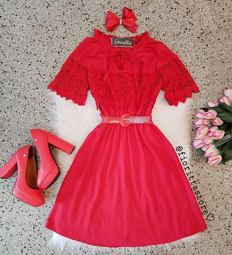 Vestido vermelho detalhes guipir