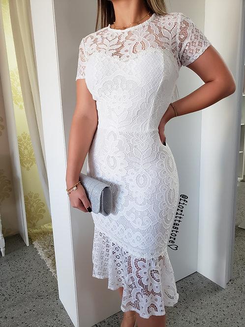 Vestido branco renda peplum