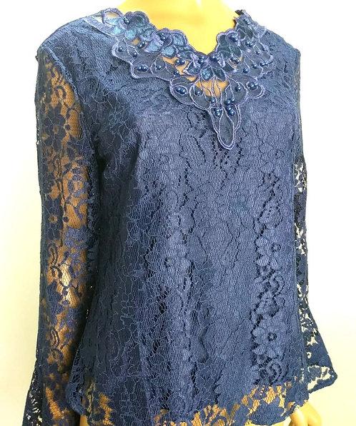 Blusa azul royal renda bordados