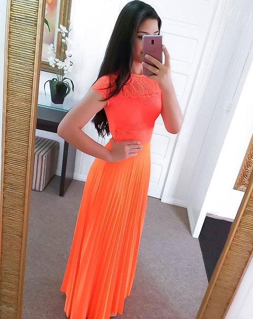 Saia plissada laranja neon