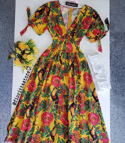 Vestido floral midi fundo mostarda