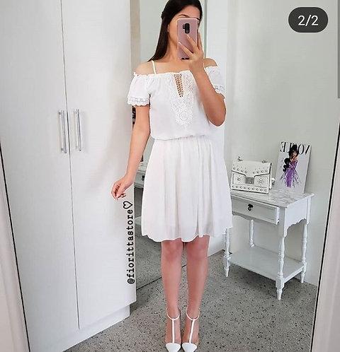Vestido branco ciganinha detalhes guipir