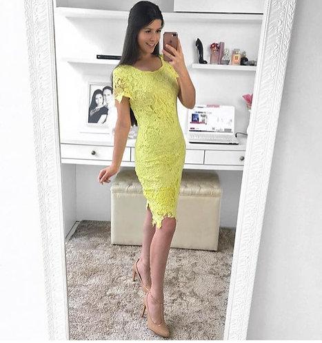 Vestido amarelo guippir tubinho midi