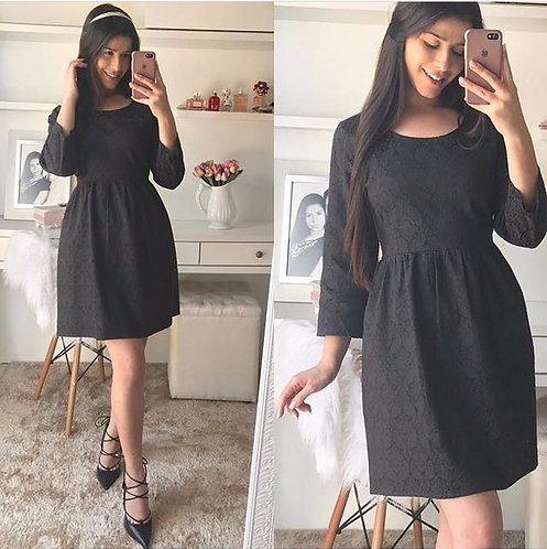Vestido preto lady lke brocado