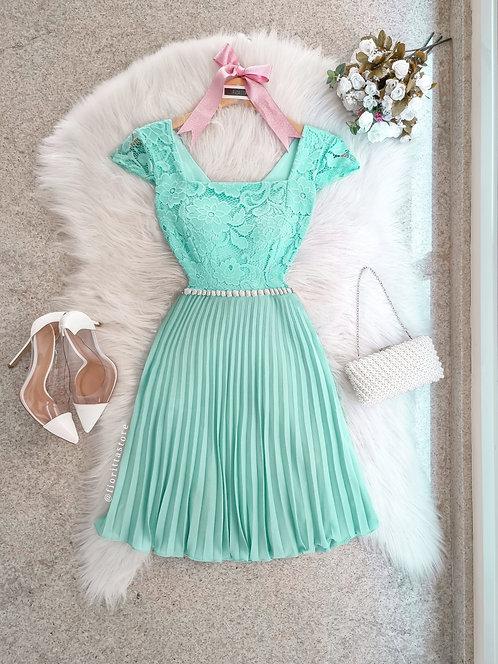Vestido Cinderela Tiffany curto.