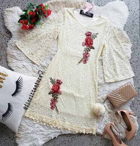 Vestido nude detalhes renda guipir e bordado