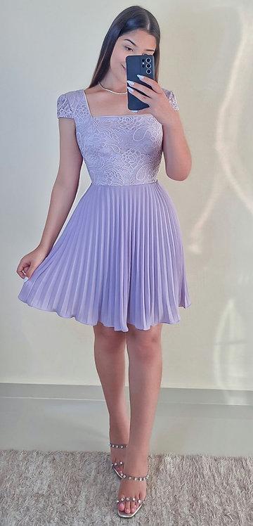 Vestido Cinderela lavanda curto.