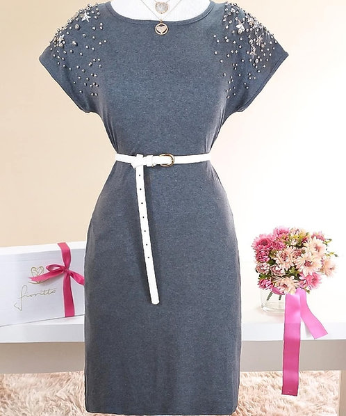 Vestido cinza detalhes bolso e bordados