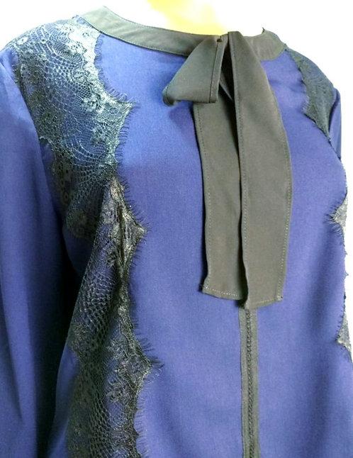 Blusa azul Royal.