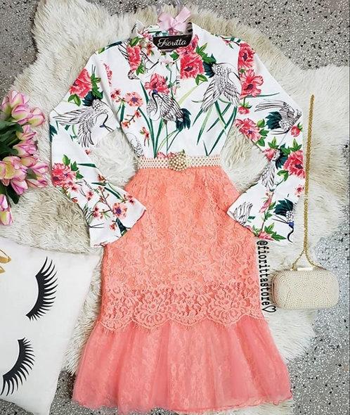 Blusa floral fundo branco