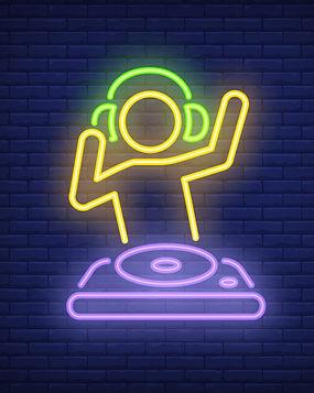 disk-jokey-with-dj-mixer-neon-sign_1262-