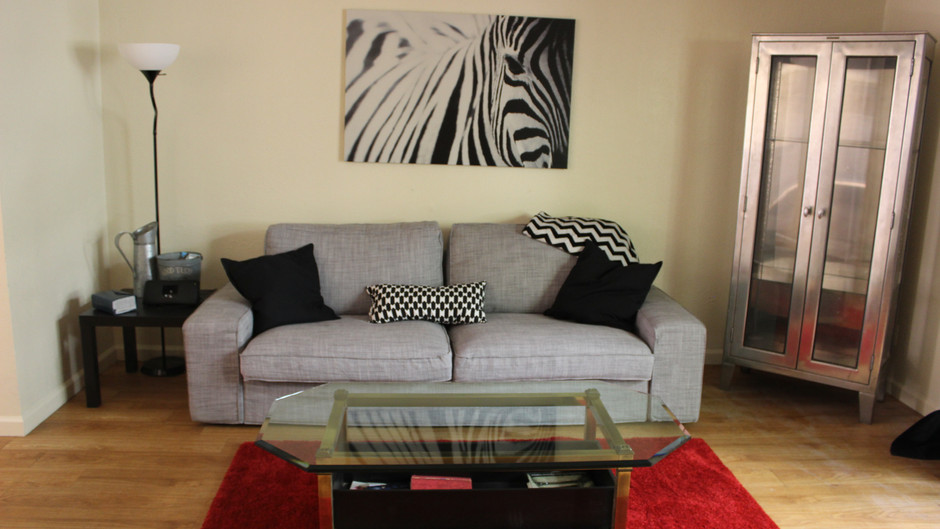 On TWU Campus-1102 No. Bell-2 bed 2 bath 2 story luxury! $995.00  (Avail 8.1.21)