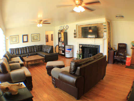 UNT campus: 4 bed 4 bath house, 1029 W. Hickory  $2495.00 (Avail 8.1.21)
