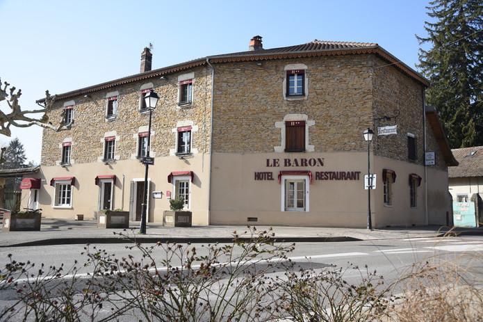 Hôtel Le Baron Crémieu Centre cité Médié