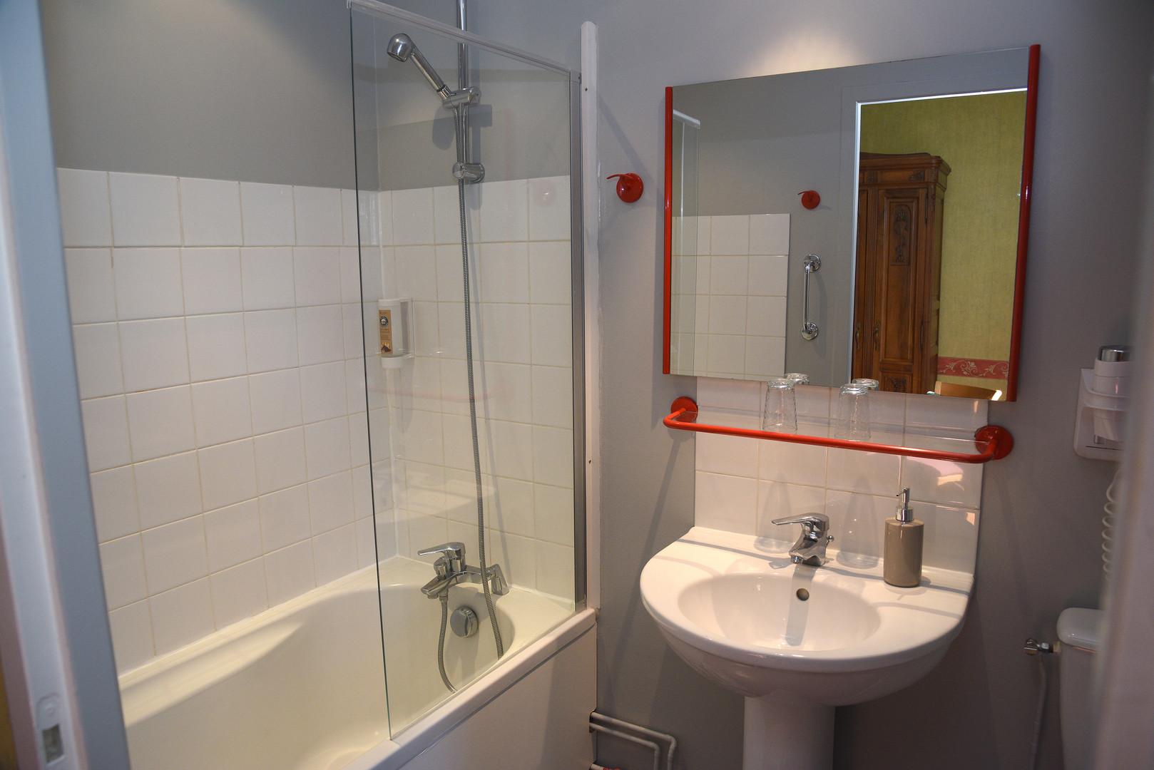 Salle de bain Hotel Crémieu