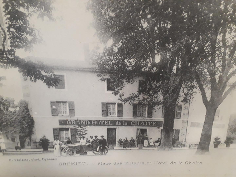 Ancienne photo Gd Hotel la Chaite.jpg