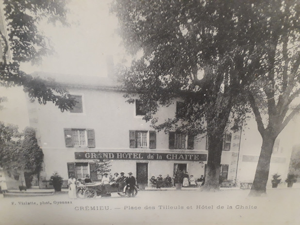 Ancienne photo Gd Hotel la Chaite.jpg