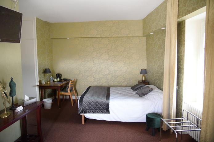 Chambre Hotel Cremieu Le Baron