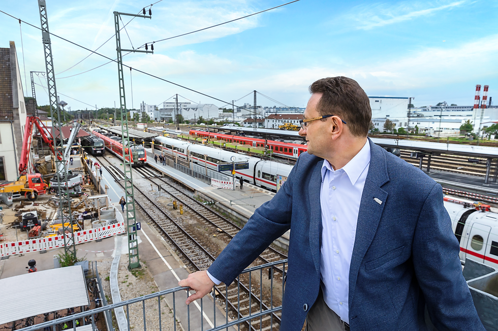 Ulirch_Lange_Thema_Bahnhof_688.png