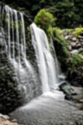 cascade-168541_1920.jpg