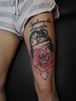 Rosen Taschenuhr Tattoo