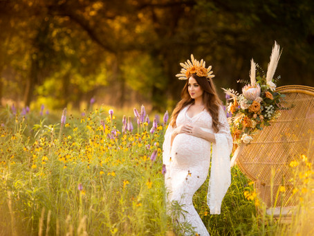 Watch this Goddess glow during her maternity session!