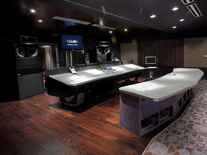 Odds On Studios - Las Vegas, NV OWA 415T system.