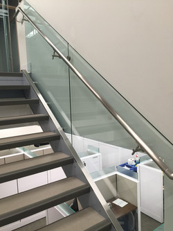 12 MM CLEAR TEMPERED GLASS RAILING