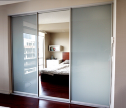 SLIDING BACK PAINTED GLASS CLOSED DOORS