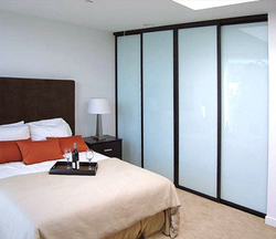 SLIDING BACK PAINTED GLASS CLOSED DOOR