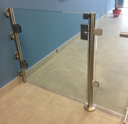 SECURITY GLASS GATE