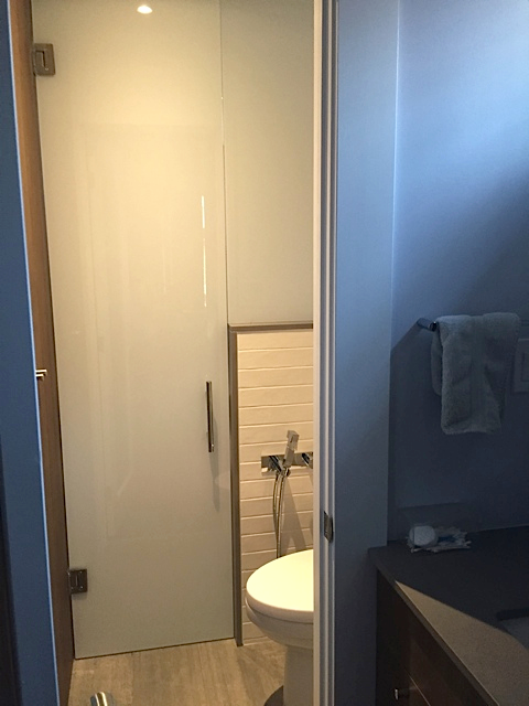 WHITE LAMINATE SHOWER