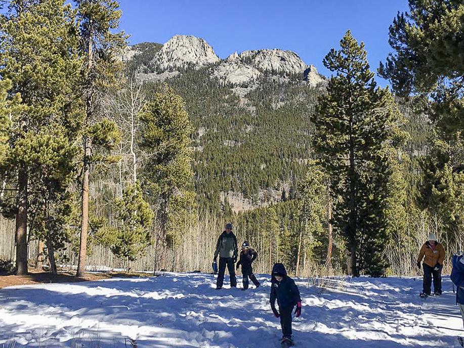 Family Snowshoeing Trip 2-2018-73