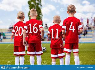 groupe-de-footballeurs-du-football-garço