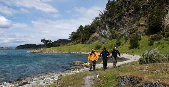 Trekking-en-la-senda-Costera.jpg