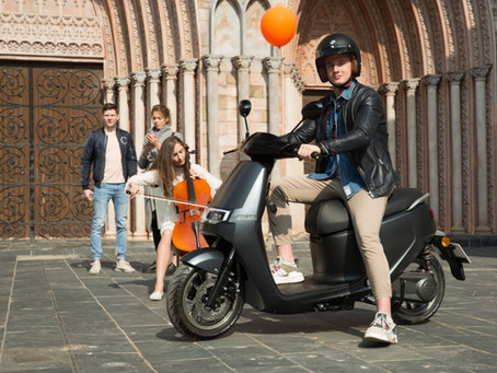Electric Scooter: Safe Riding Tips for Beginners
