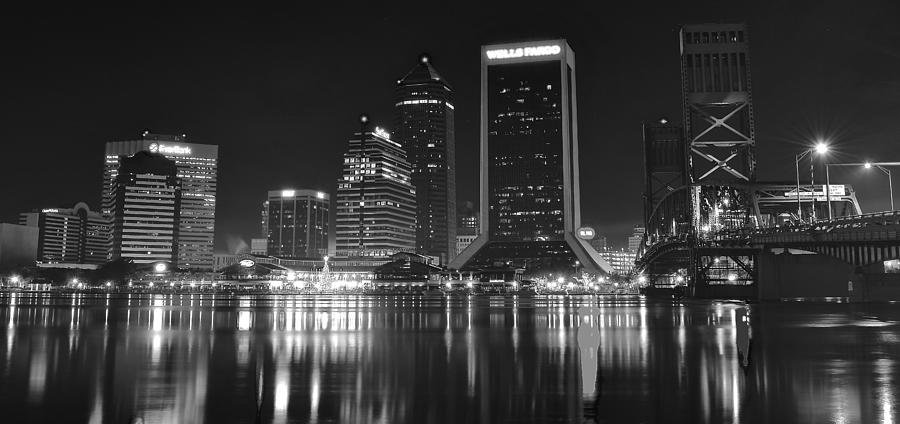 jacksonville-black-and-white-night-froze