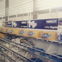 Sinalização gôndolas e estantes #placaserv #placas #letreiros #fachadas #plotagem #adesivos #painéis