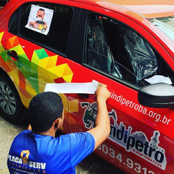 Plotagem de veículo #placaserv #plotagem #fachadas #placadeobra #letreiros #paineis luminosos #adesi