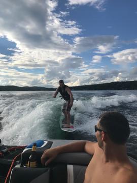 Tige Surfing