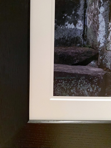 Custom Oak Frame - Black.png