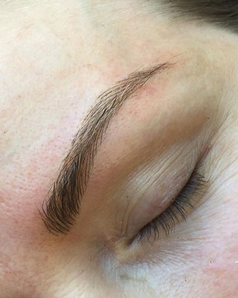 Up close of these gorgeous new feathered brows 💗 #browboss #browcouturebysandy #archaddicts #luxesk