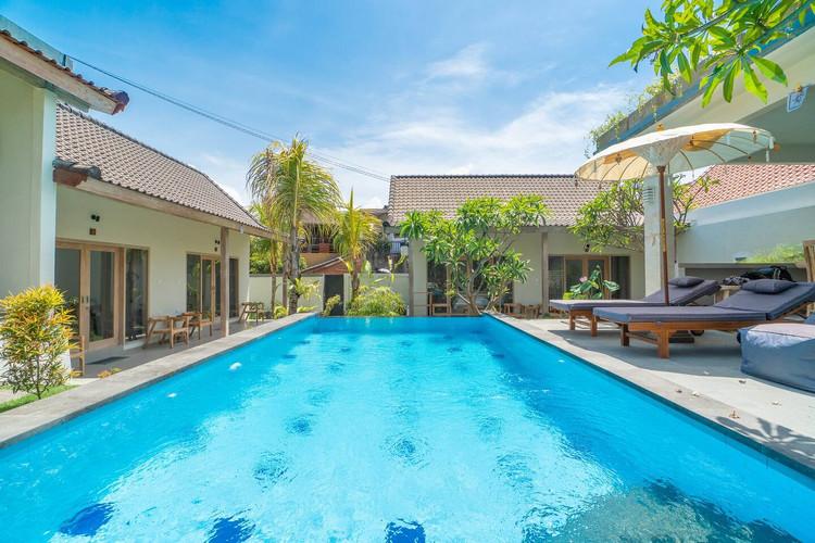 ЕСЛИ ОДНОМУ поехать на Бали