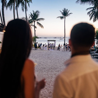 Beach wedding in Boracay